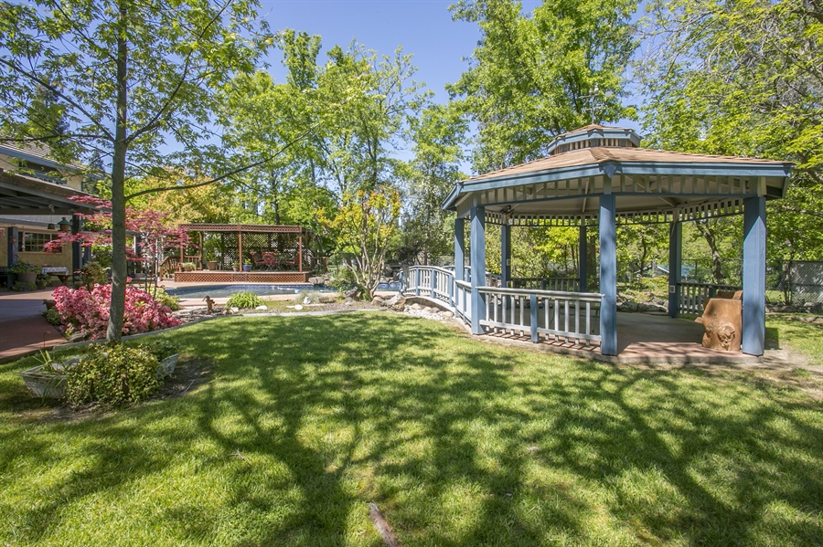 Real Estate Photography - 6385 Rainier Ave, Rocklin, CA, 95677 - Gazebo