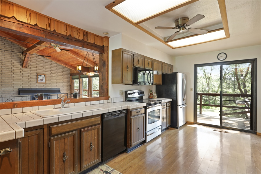 Real Estate Photography - 545 Conifer Ln.st, Auburn, CA, 95602 - Kitchen