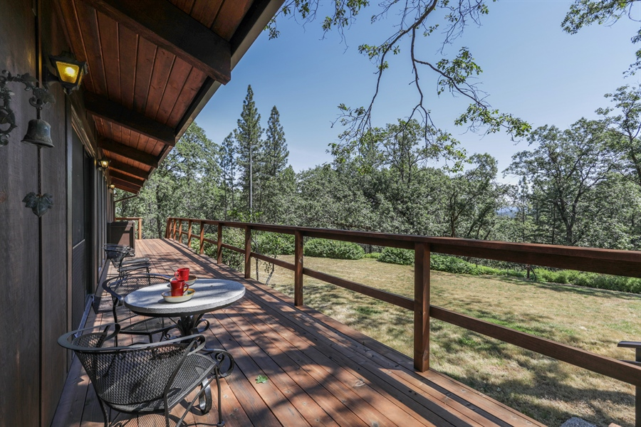 Real Estate Photography - 545 Conifer Ln.st, Auburn, CA, 95602 - Deck