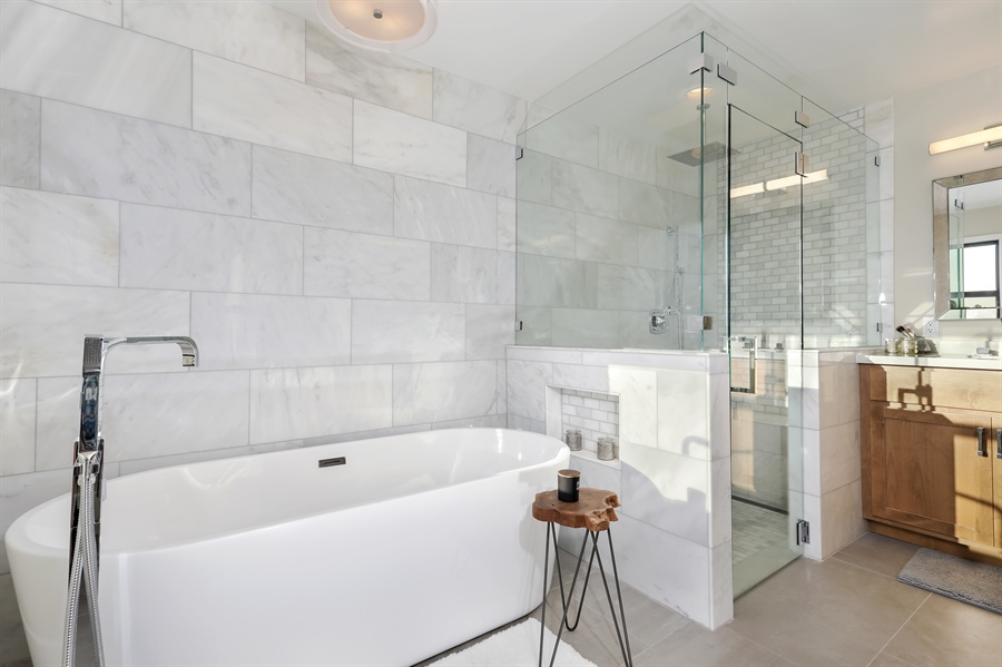 Real Estate Photography - 1140 Stags Leap Lane, Auburn, CA, 95602 - Master Bathroom