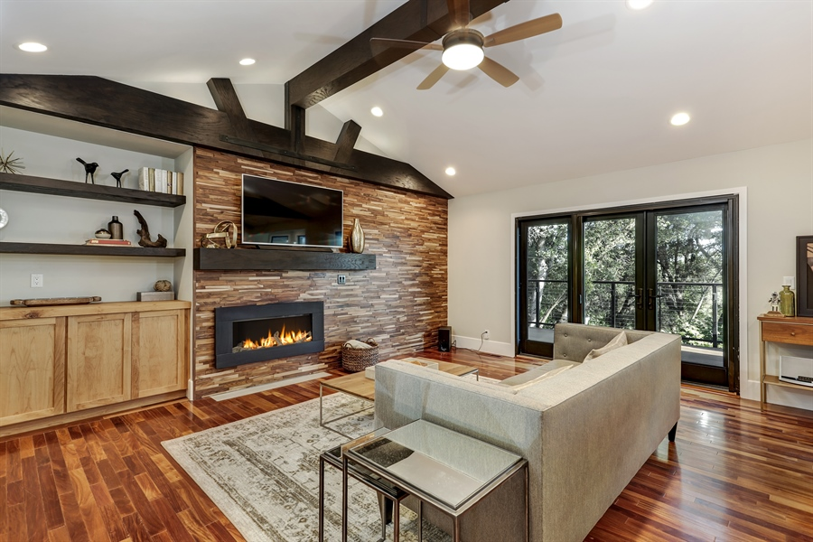 Real Estate Photography - 1140 Stags Leap Lane, Auburn, CA, 95602 - Family Room