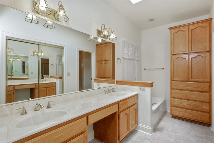 Real Estate Photography - 6896 Fallsbrook Ct, Granite Bay, CA, 95746 - Master Bathroom
