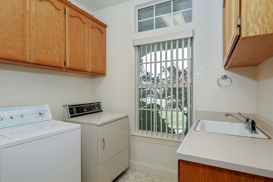 Real Estate Photography - 6896 Fallsbrook Ct, Granite Bay, CA, 95746 - Laundry Room