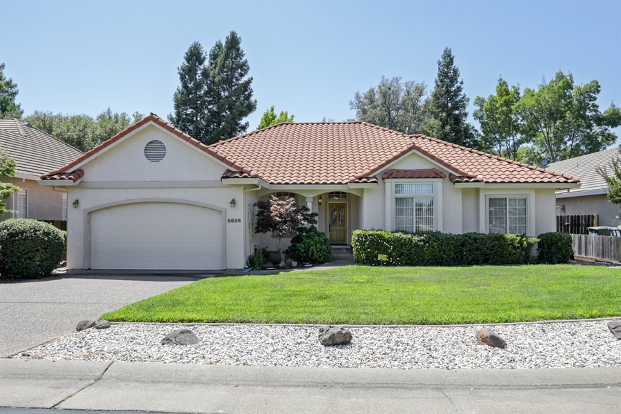 Real Estate Photography - 6896 Fallsbrook Ct, Granite Bay, CA, 95746 - Front View