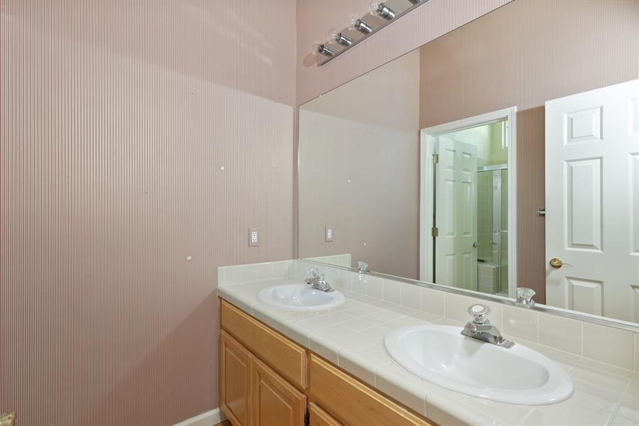 Real Estate Photography - 4537 Shenandoah Rd, Rocklin, CA, 95765 - 2nd Bathroom