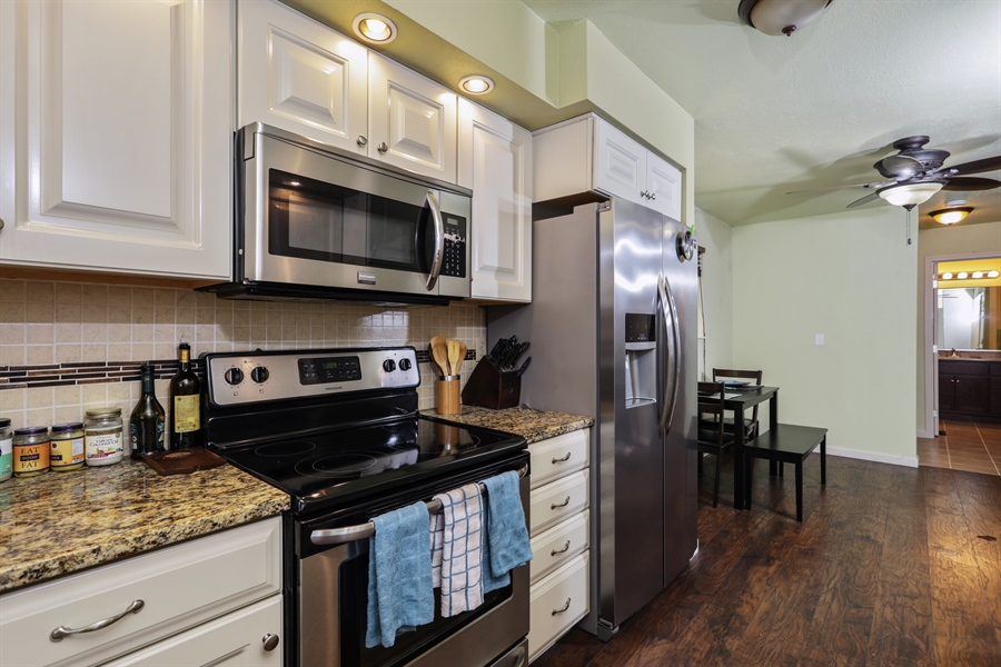 Real Estate Photography - 19044 Hummingbird Drive, Penn Valley, CA, 95946 - Kitchen