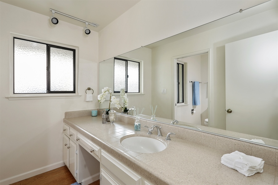 Real Estate Photography - 2549 Morley Way, Sacramento, CA, 95864 - 2nd Bathroom