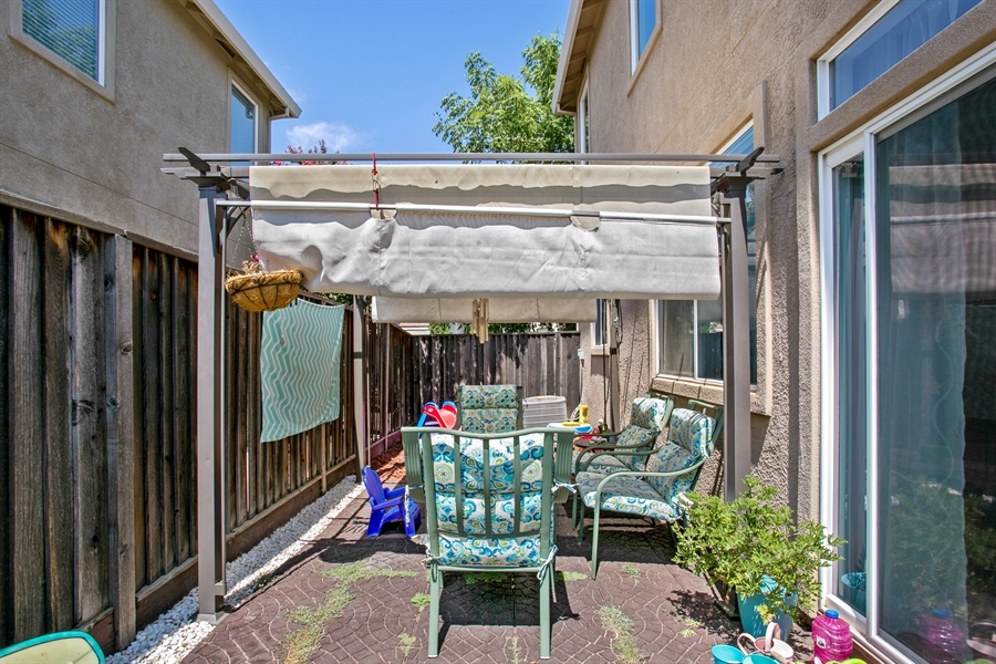 Real Estate Photography - 390 Dragonfly, Sacramento, CA, 95834 - Back Yard