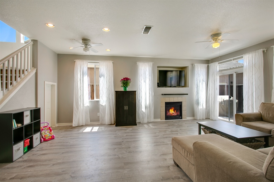 Real Estate Photography - 390 Dragonfly, Sacramento, CA, 95834 - Family Room