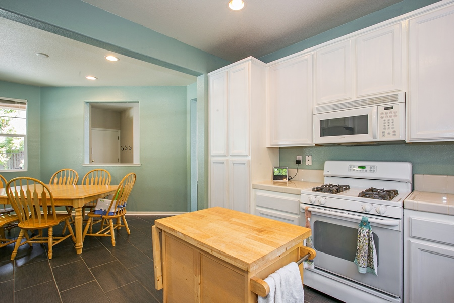 Real Estate Photography - 390 Dragonfly, Sacramento, CA, 95834 - Kitchen/Dining