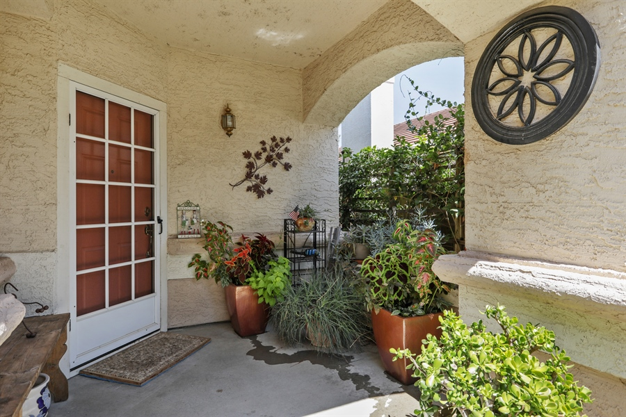 Real Estate Photography - 109 Harcourt, Folsom, CA, 95630 - Porch