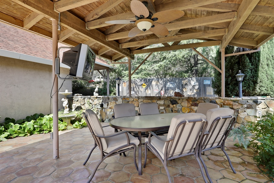 Real Estate Photography - 4554 4562 French Creek Road, Shingle Springs, CA, 95682 - Courtyard behind main house