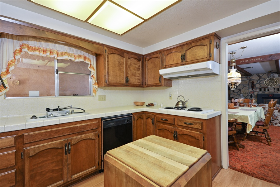 Real Estate Photography - 4554 4562 French Creek Road, Shingle Springs, CA, 95682 - Kitchen