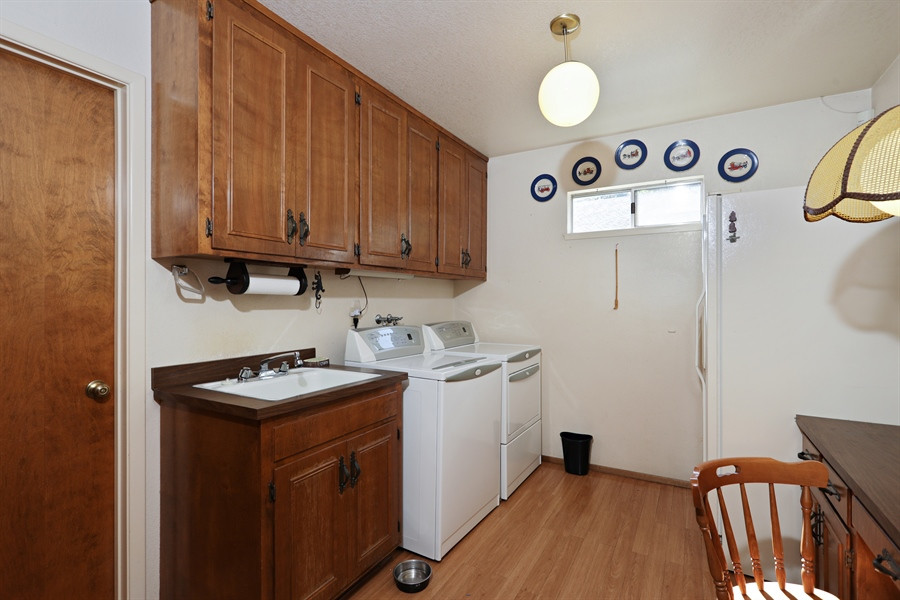 Real Estate Photography - 4554 4562 French Creek Road, Shingle Springs, CA, 95682 - Laundry Room