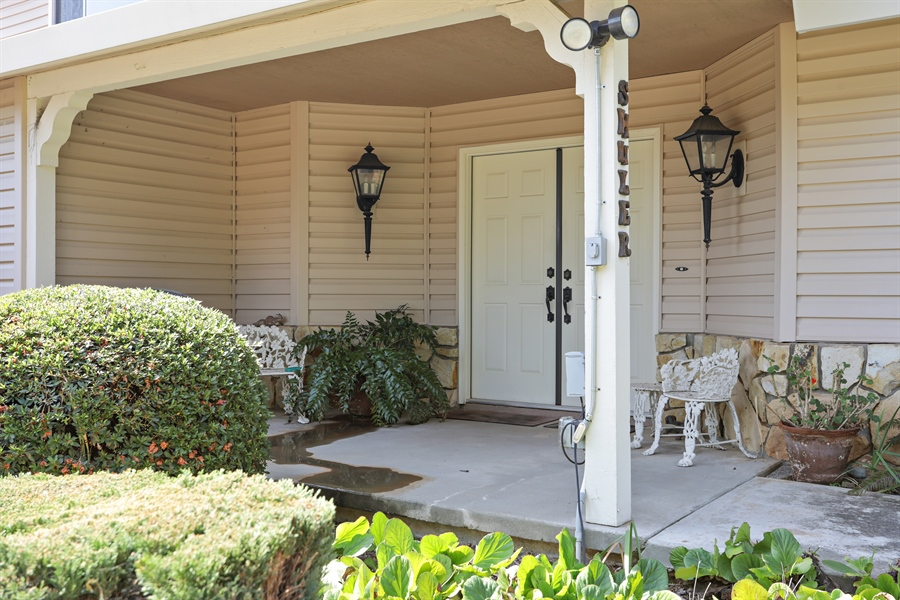 Real Estate Photography - 4554 4562 French Creek Road, Shingle Springs, CA, 95682 - Porch