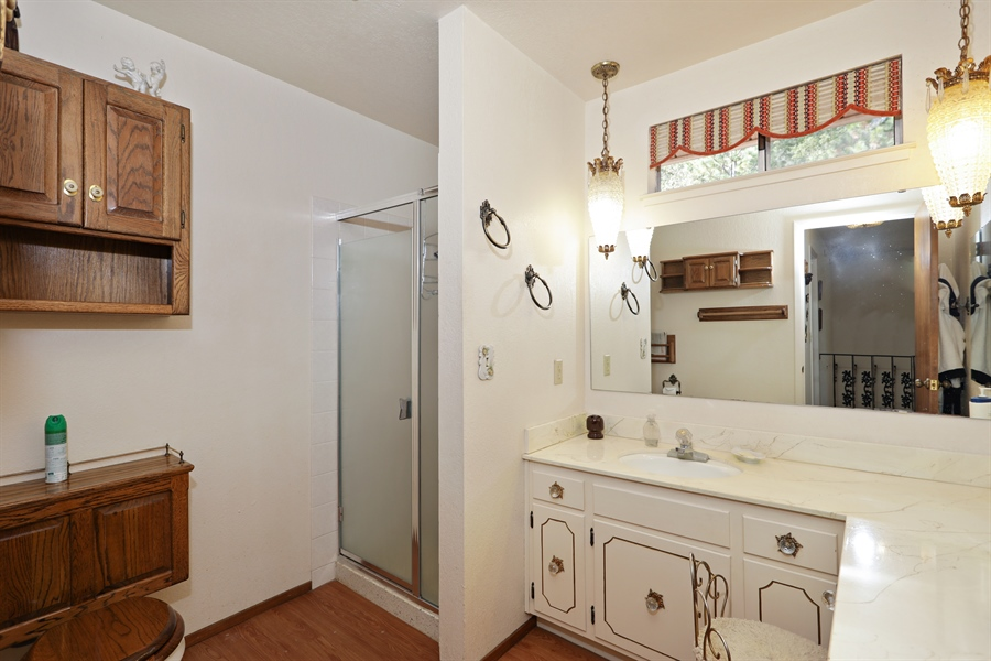 Real Estate Photography - 4554 4562 French Creek Road, Shingle Springs, CA, 95682 - 2nd Bathroom