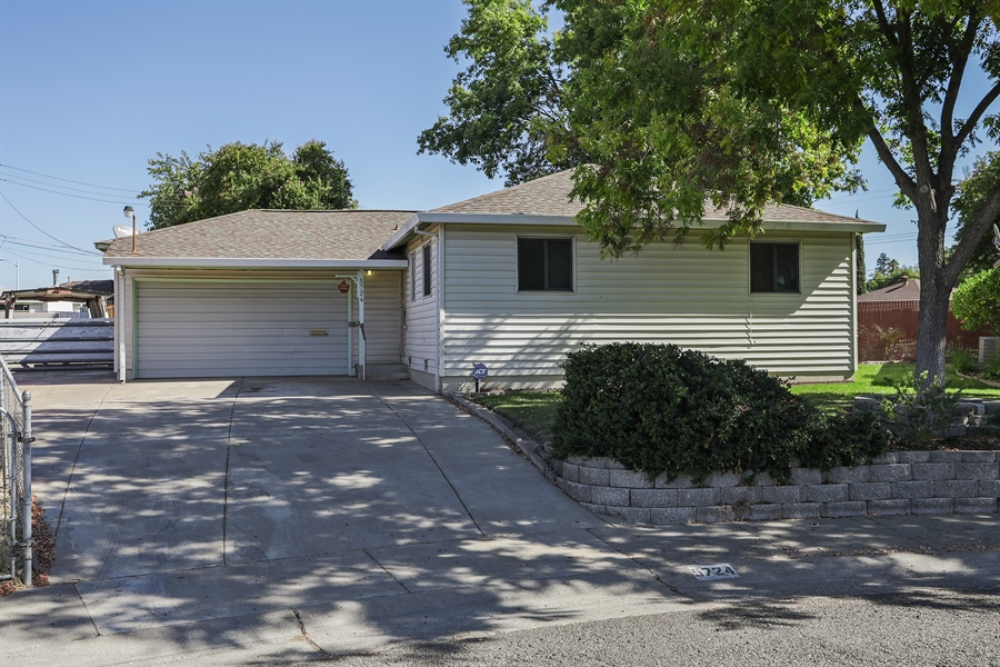 Real Estate Photography - 5724 Tell Ct., North Highlands, CA, 95660 - Front View