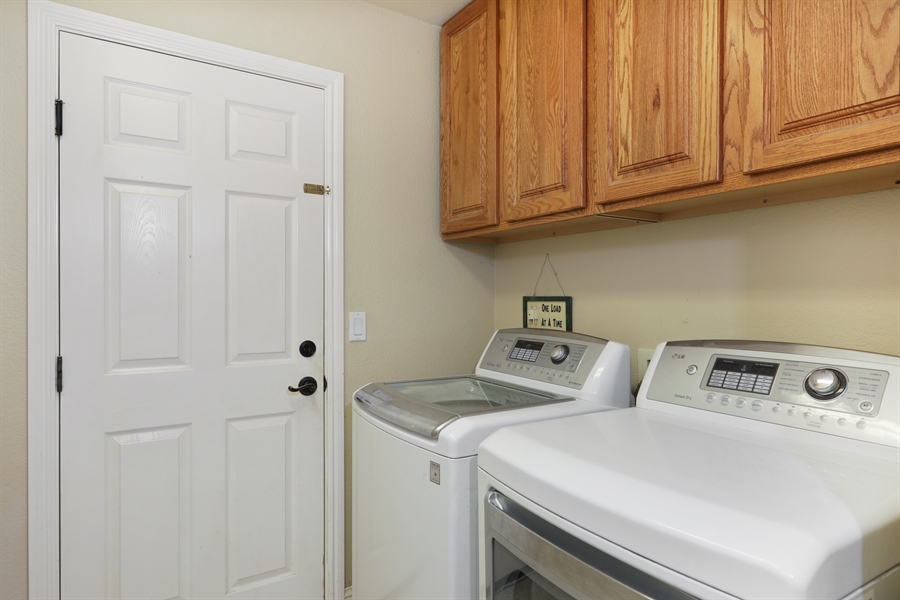 Real Estate Photography - 1638 American River Trail, Cool, CA, 95614 - Laundry Room