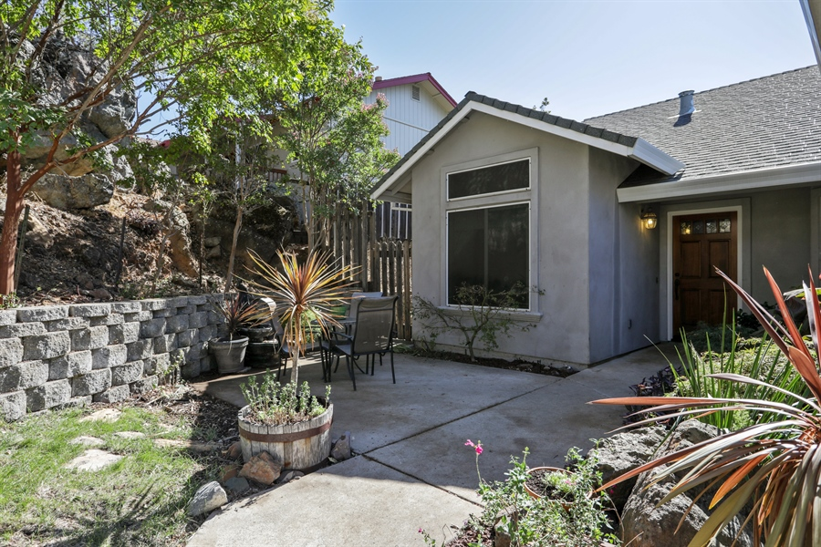 Real Estate Photography - 1638 American River Trail, Cool, CA, 95614 - Porch
