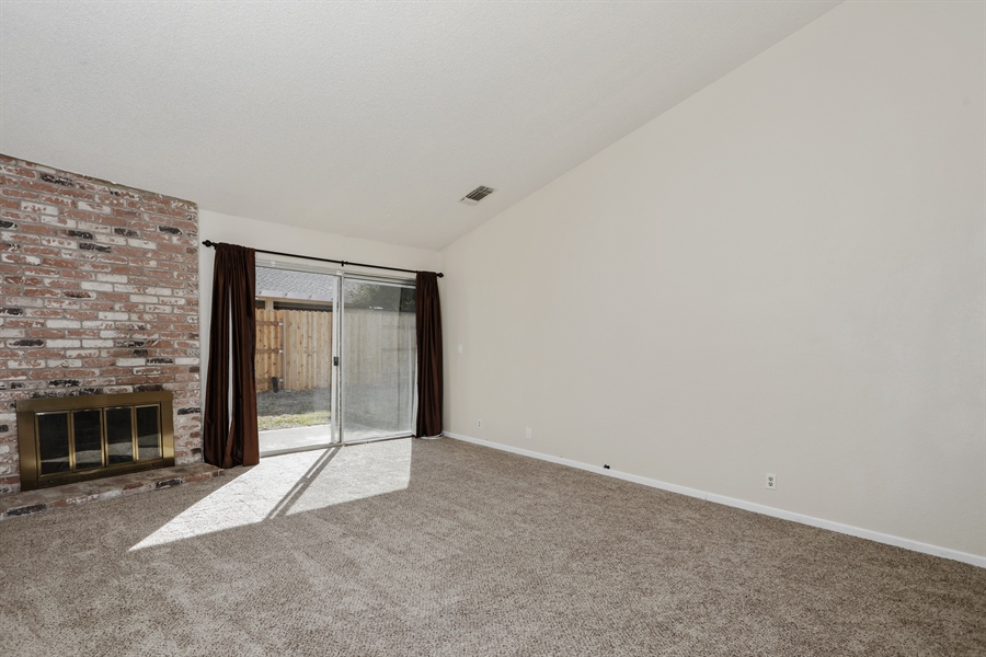 Real Estate Photography - 1169 Meadow Gate Dr, Roseville, CA, 95661 - Living Room