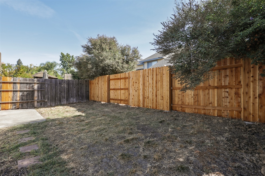 Real Estate Photography - 1169 Meadow Gate Dr, Roseville, CA, 95661 - Back Yard