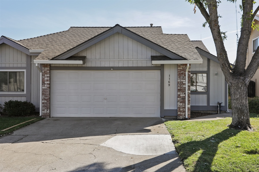 Real Estate Photography - 1169 Meadow Gate Dr, Roseville, CA, 95661 - Front View