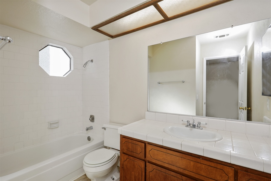 Real Estate Photography - 1169 Meadow Gate Dr, Roseville, CA, 95661 - Bathroom