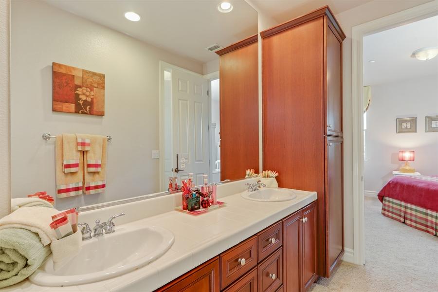 Real Estate Photography - 4420 Longview Dr, Rocklin, CA, 95677 - Jack & Jill Bathroom Between 2nd & 3rd Bedrooms
