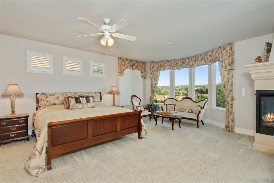Real Estate Photography - 4420 Longview Dr, Rocklin, CA, 95677 - Spacious Master Bedroom With Sitting Area