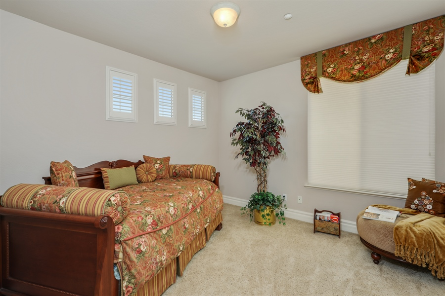 Real Estate Photography - 4420 Longview Dr, Rocklin, CA, 95677 - 4th Bedroom Custom Designed Window/Bed Covering