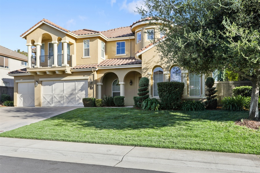 Real Estate Photography - 4420 Longview Dr, Rocklin, CA, 95677 - Welcome Home! To Friendly And Quiet Neighborhood