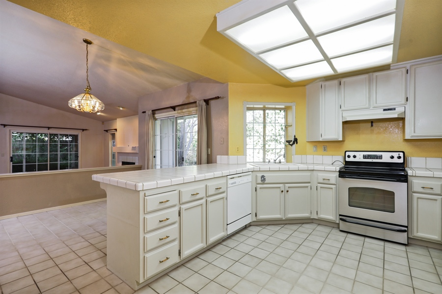 Real Estate Photography - 9417 Forest Vista Way, Elk Grove, CA, 95758 - Kitchen