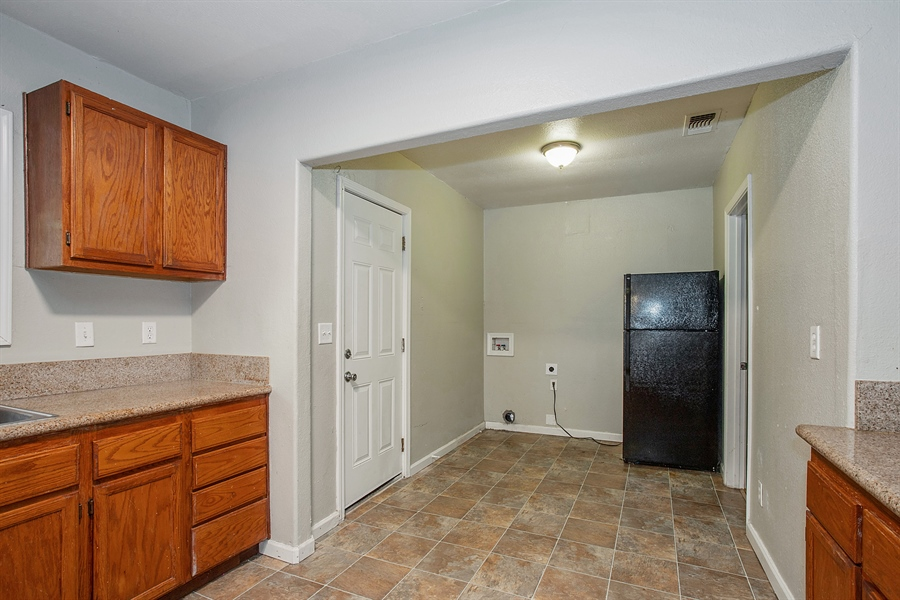 Real Estate Photography - 4416 8th Ave, Sacramento, CA, 95820 - Kitchen / Breakfast Room