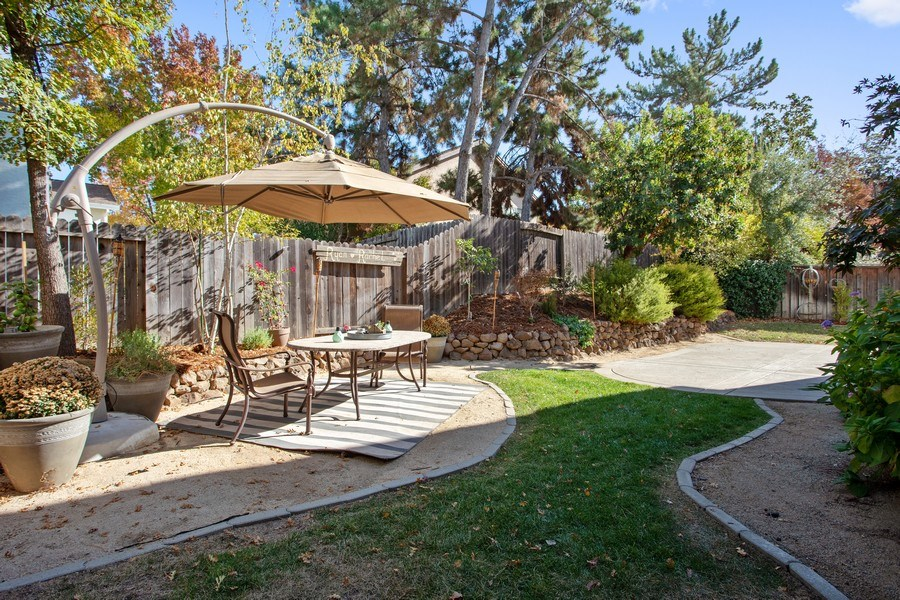 Real Estate Photography - 5609 Glen Oaks Drive, Rocklin, CA, 95765 - Back Yard