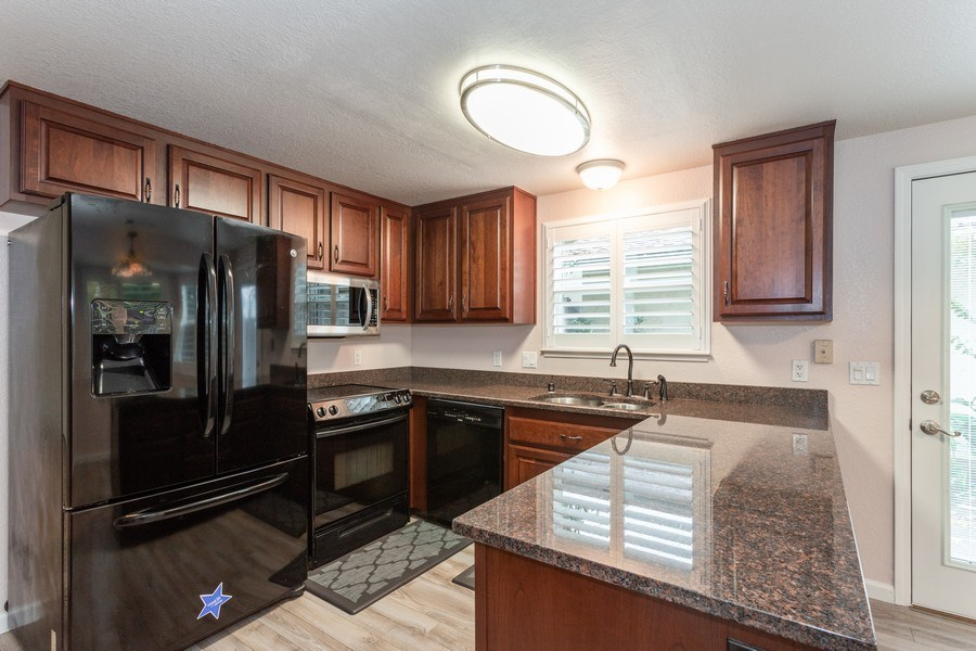Real Estate Photography - 497 Cool Wind Way, Sacramento, CA, 95831 - Kitchen