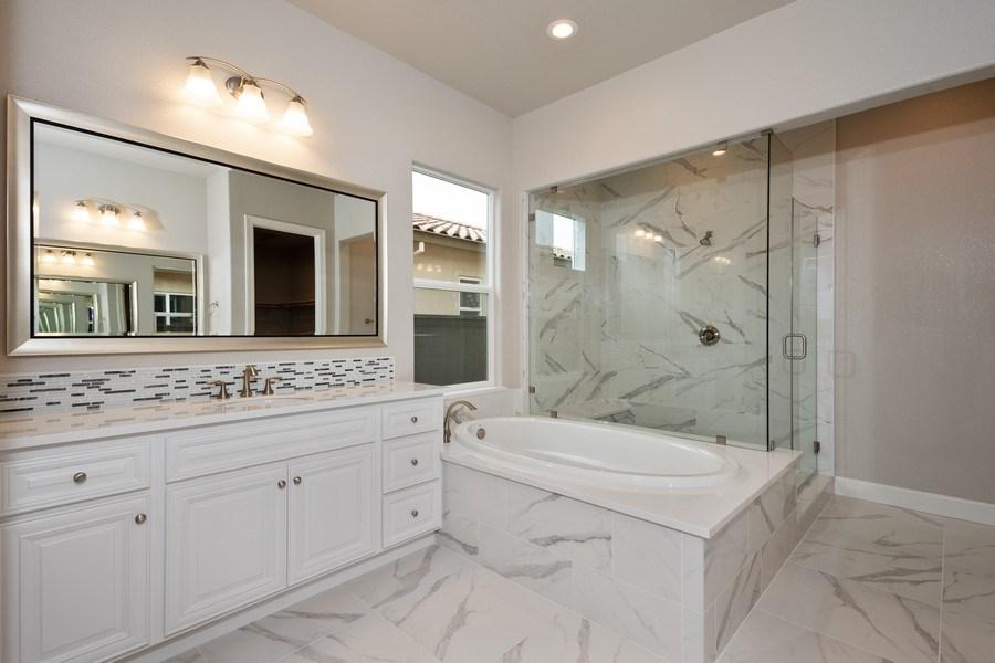 Real Estate Photography - 3505Paseo Mira Vista, Lincoln, CA, 95648 - Master Bathroom