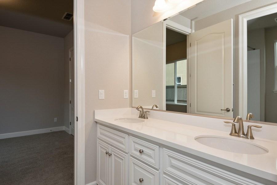 Real Estate Photography - 3505Paseo Mira Vista, Lincoln, CA, 95648 - Bathroom