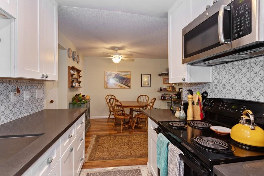 Real Estate Photography - 1920 El Paso Ave, Unit 4, Davis, CA, 95618 - Kitchen