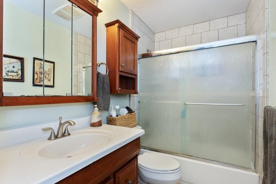 Real Estate Photography - 1920 El Paso Ave, Unit 4, Davis, CA, 95618 - Bathroom