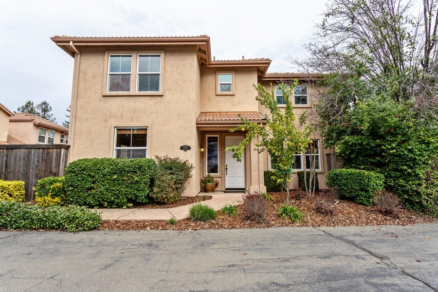 Real Estate Photography - 2019 Catalina Dr, Davis, CA, 95616 - Front View