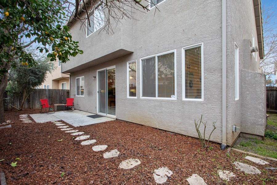 Real Estate Photography - 1026 San Gallo Terrace, Davis, CA, 95618 - Back Yard
