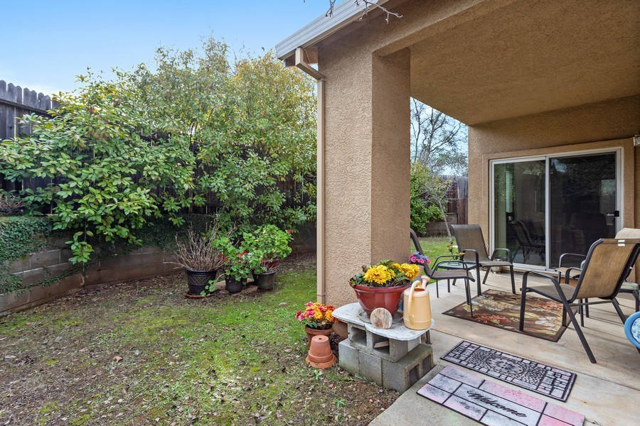Real Estate Photography - 2505 Chesapeake Bay Circle, Cameron Park, CA, 95682 - Back Yard