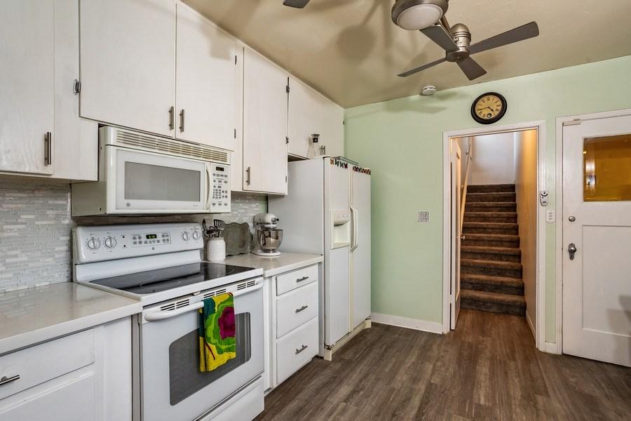 Real Estate Photography - 4729 Mead Avenue, Sacramento, CA, 95822 - Kitchen