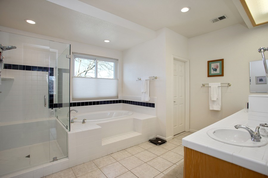 Real Estate Photography - 1512 Navajo St., Davis, CA, 95616 - Master Bathroom