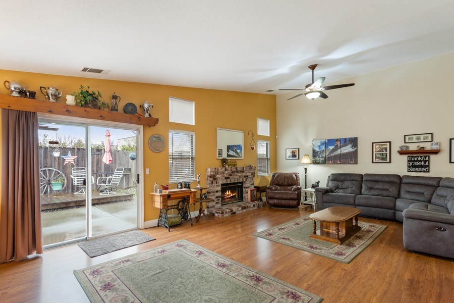 Real Estate Photography - 1460 Austin Dr, Dixon, CA, 95620 - Family Room