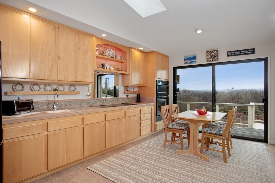 Real Estate Photography - 3080 Carlson Dr, Shingle Springs, CA, 95682 - Kitchen