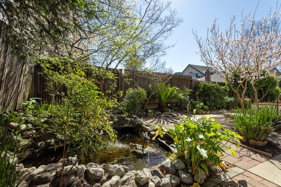Real Estate Photography - 309 Walton Way, Roseville, CA, 95678 - Side Yard