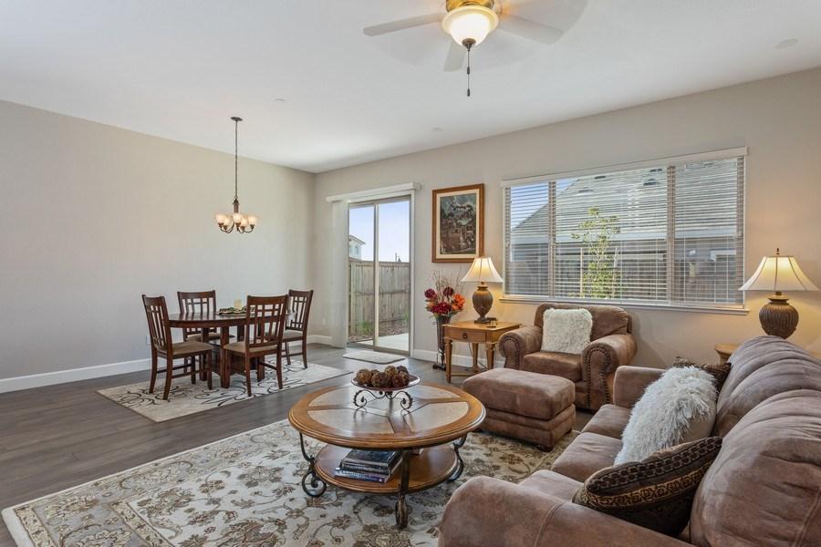 Real Estate Photography - 2901 Laredo Dr, Rocklin, CA, 95765 - Living Room
