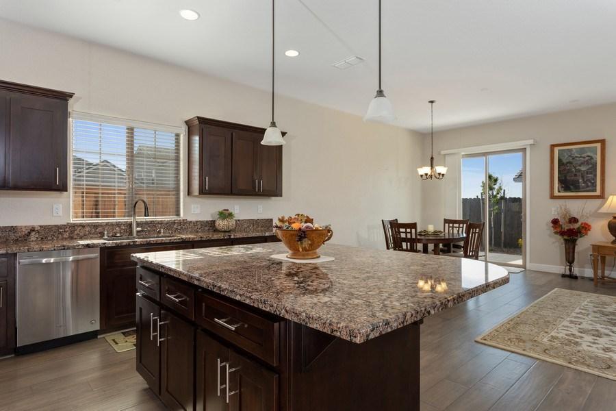 Real Estate Photography - 2901 Laredo Dr, Rocklin, CA, 95765 - Kitchen
