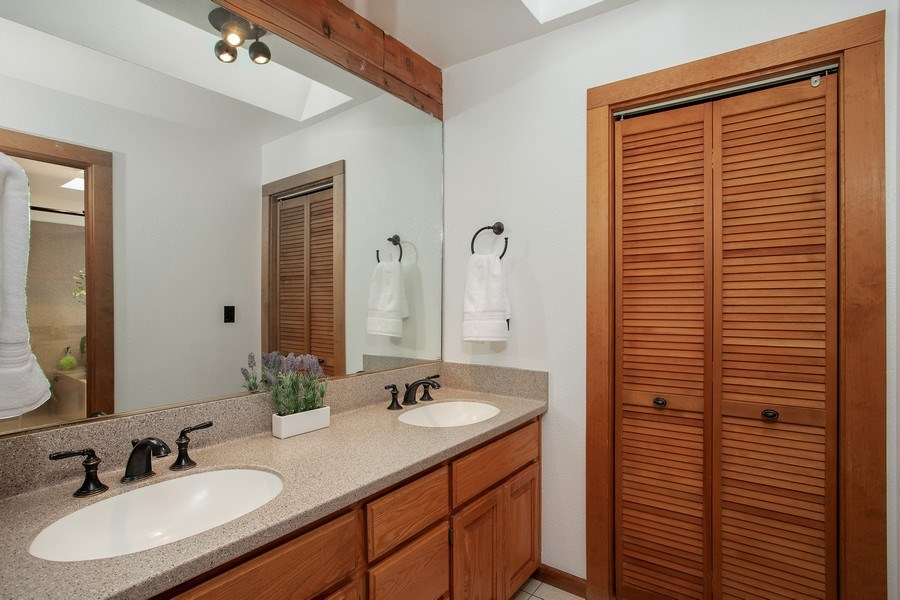 Real Estate Photography - 277 Twin Pines, Weimar, CA, 95736 - Master Bathroom
